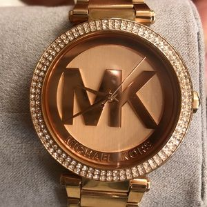 MIcheal Kors watch for women
